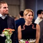 Arrow | Promo mostra que Oliver Queen está livre da prisão